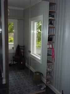 Tilpasset/spesiallagd garderobe av Tømrermester Lars Knutsen
